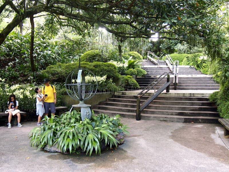 Arkitektoniska designer inom de Singapore botaniska trädgårdarna i Singapore arkivbild