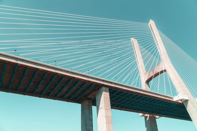Arkitektoniska detaljer av 25 de Abril Bridge 25th April Bridge In Lisbon arkivfoton