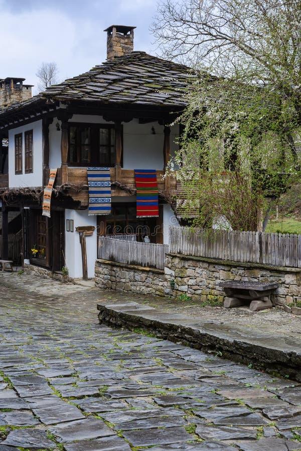 Arkitektoniska ethnographic komplexa Etara, Bulgarien arkivfoto