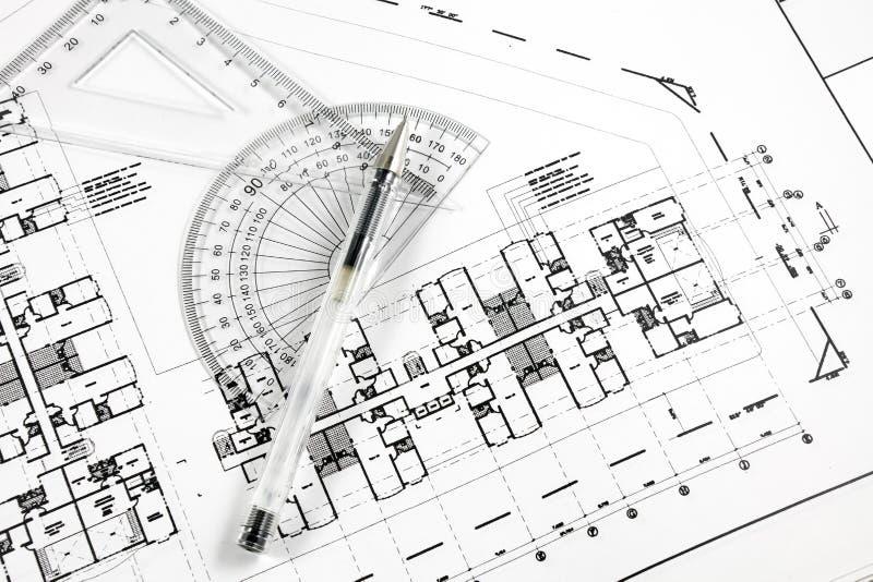 arkitektoniska ritningpennhjälpmedel arkivbild