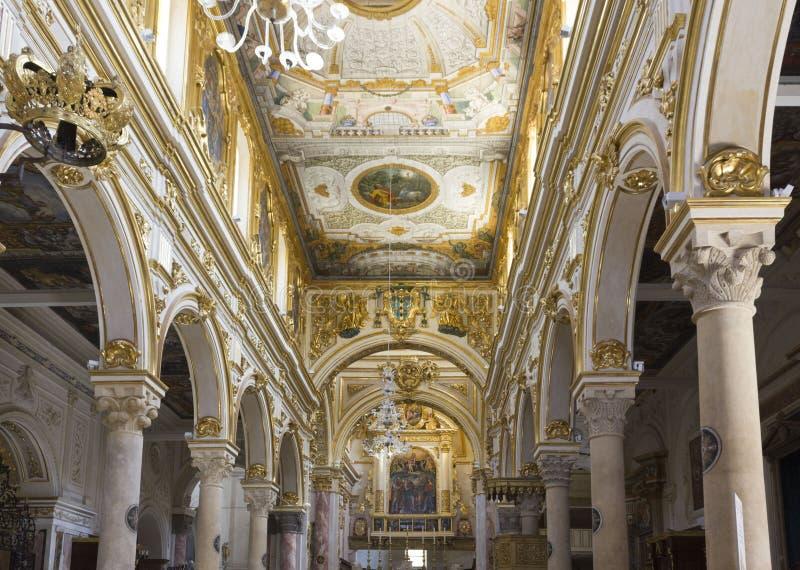 Arkitektoniskt särdrag av inre av den Matera domkyrkan royaltyfri fotografi