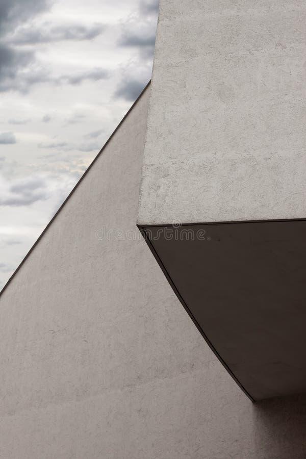 Arkitektoniskt specificera av en modern byggnad royaltyfria bilder