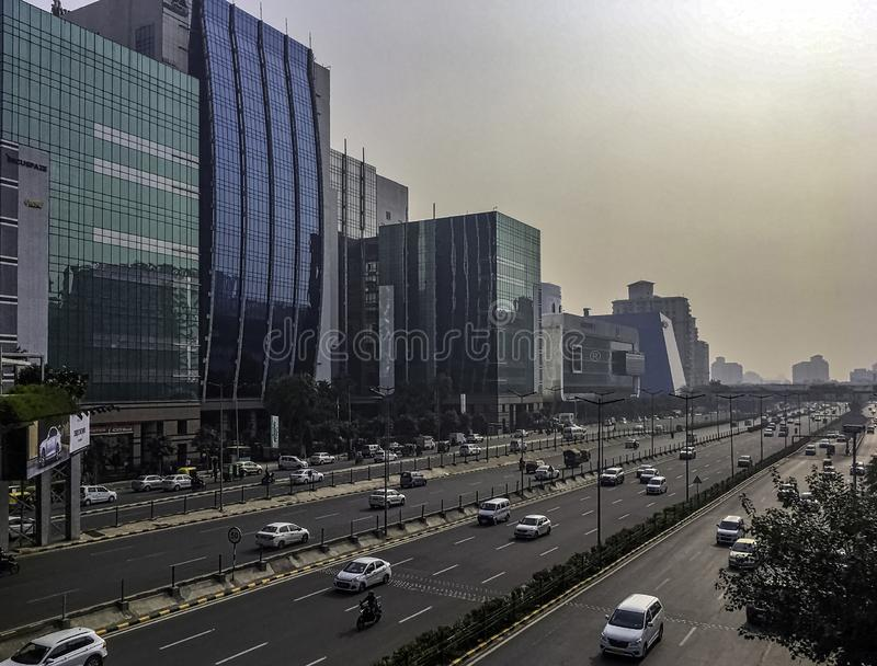 Arkitektur av Cyberstaden/Cyberhub i Gurgaon, New Delhi, Indien royaltyfria bilder