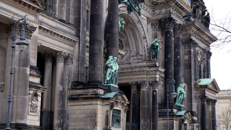 Arkitektur av den berömda domkyrkan i Berlin arkivbild