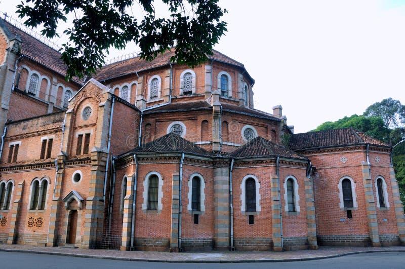 Arkitektur av den berömda Saigon kyrkan, Vietnam royaltyfria foton