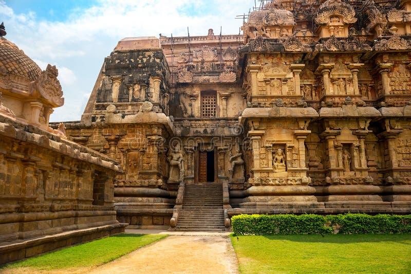 Arkitektur av den hinduiska templet som är hängiven till Shiva arkivbild