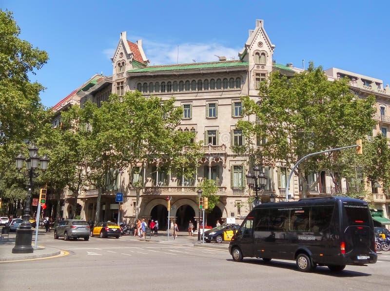 Arkitektur av den Passeig de Gracia gatan i Barcelona arkivfoto