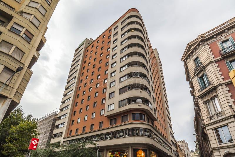 Arkitektur byggnad, Edificio Fabregas av Luis Gutierrez Soto, U royaltyfri fotografi
