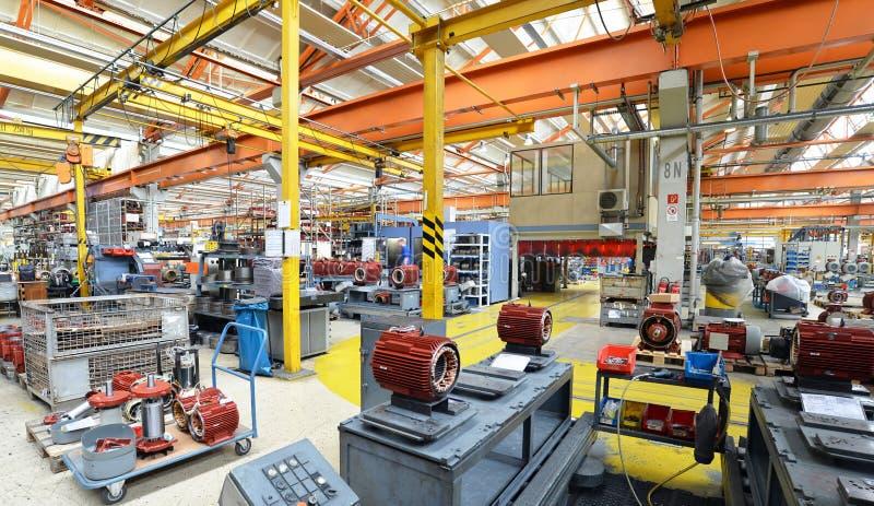 Arkitektur och utrustning av en fabrik för mekanisk engineeri arkivfoto