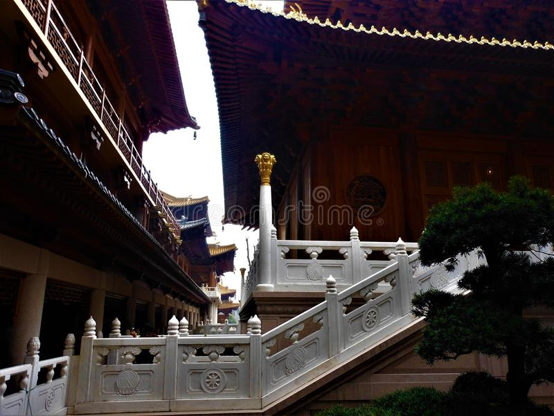 Arkitektur, tjusning och skönhet i den Shanghai staden, Kina royaltyfri fotografi