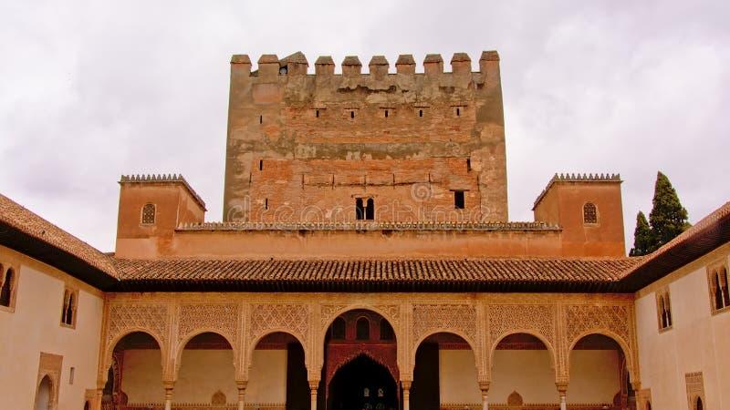 Arkitekturdetalj av domstolen av lejonen, Nasrid moorishslott, Alhambra royaltyfria bilder