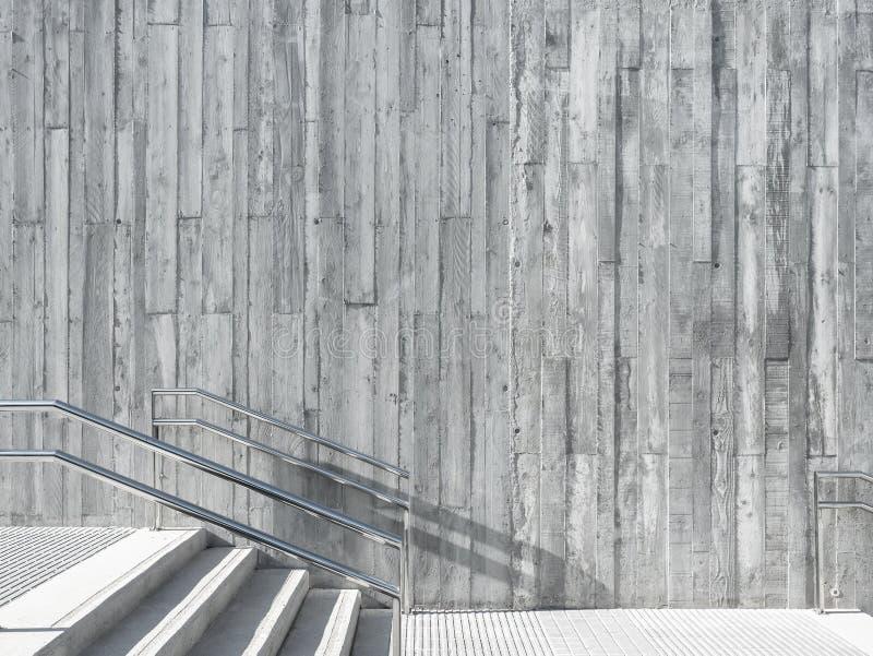 Arkitekturdetaljbetongvägg med det utomhus- trappamomentet royaltyfri fotografi