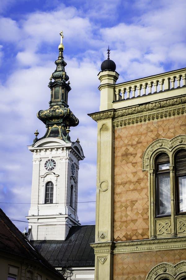Arkitekturdetaljer av biskopslotten och den helgonGeorges domkyrkan royaltyfri fotografi