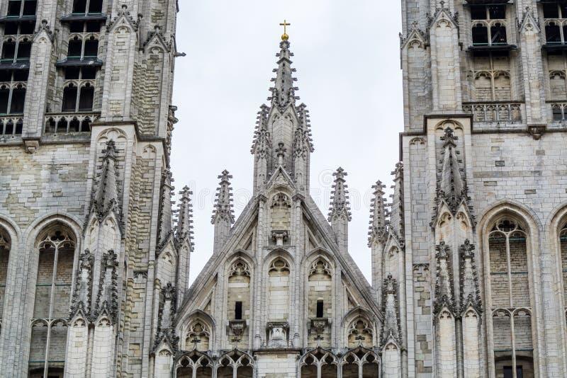 Arkitekturella detaljer om kyrkan i Vår fru i Laeken eller royaltyfria foton