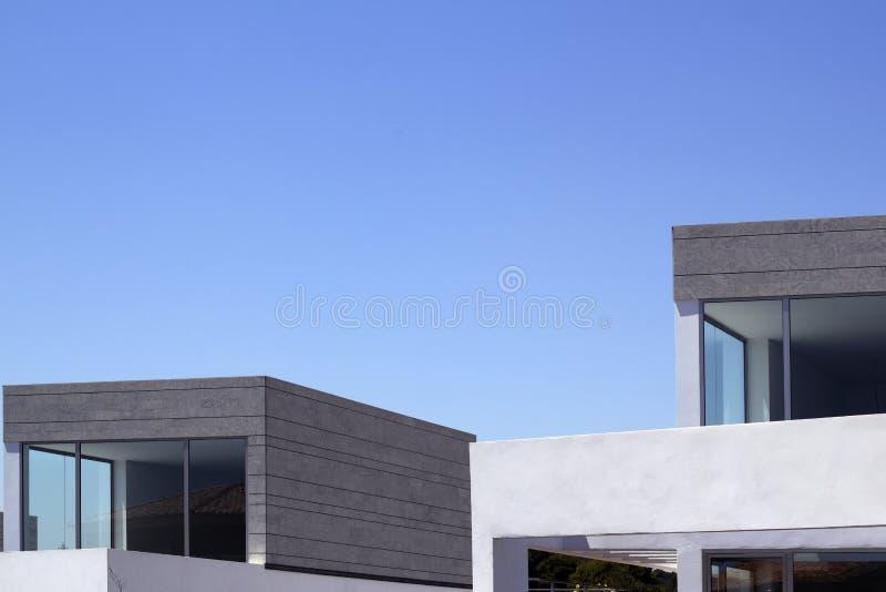 arkitekturkantjusteringen details moderna hus arkivfoton