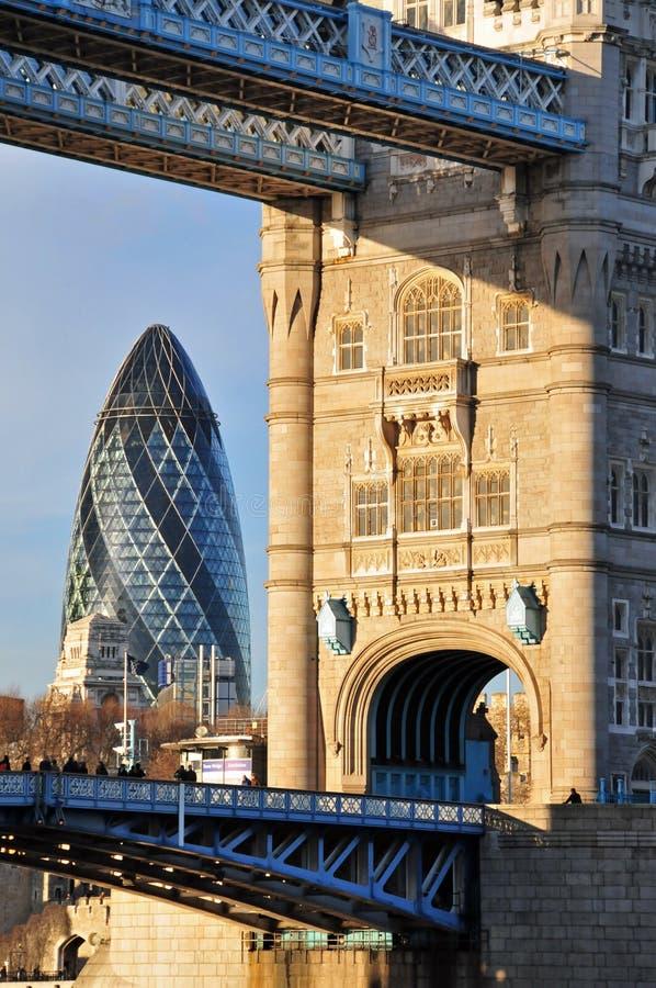 arkitekturlondon nytt gammalt royaltyfria foton