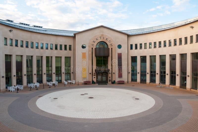 Arktikum är ett museum och en vetenskapsmitt i Rovaniemi, Finland royaltyfri fotografi