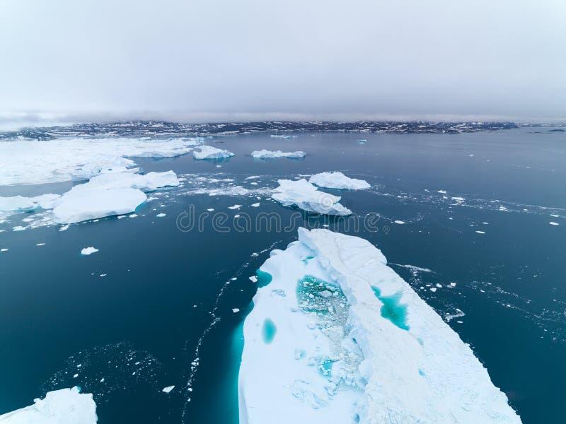 Arktiskt isberg i Ilulissat i det arktiska havet fotografering för bildbyråer