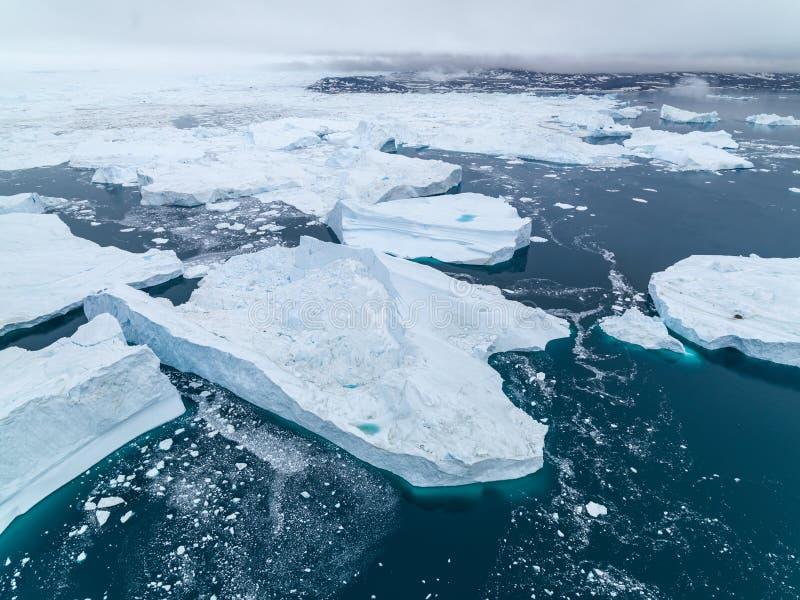 Arktiskt isberg i Ilulissat i det arktiska havet royaltyfria foton