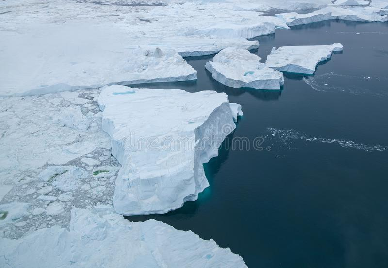 Arktiskt isberg i Ilulissat i det arktiska havet royaltyfri foto
