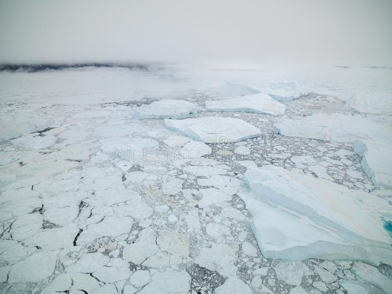 Arktiskt isberg i Ilulissat i det arktiska havet arkivbilder