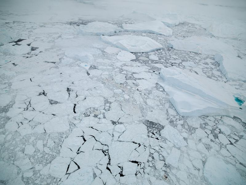 Arktiskt isberg i Ilulissat i det arktiska havet royaltyfri bild