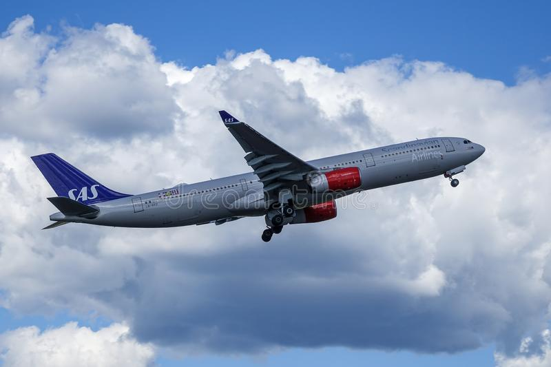 SAS Scandinavian Airlines, Airbus A330 - 300 take off stock image