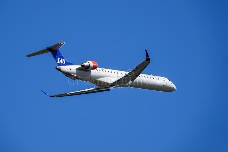 SAS Scandinavian Airlines, Bombardier CRJ - 900 take off stock photos