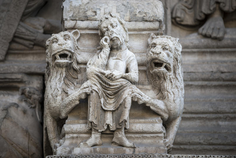 Arles, świętego kościół zdjęcia royalty free
