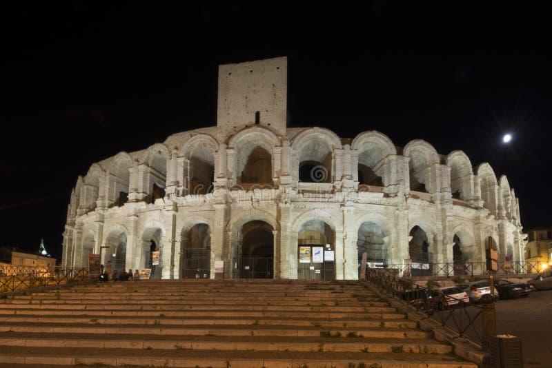 Arles-Amphitheatre nachts, Frankreich lizenzfreie stockfotos