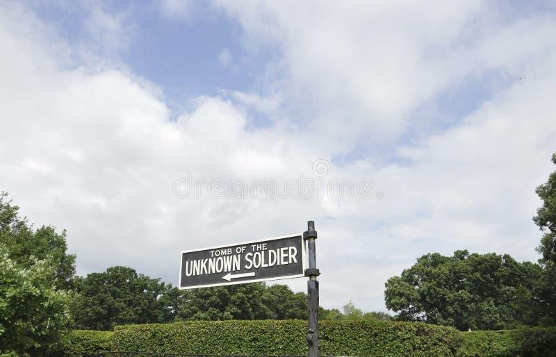 Arlingtonbegraafplaats, 5 Augustus: Arlington Nationale Begraafplaats geschreven indicator van Virginia stock afbeelding