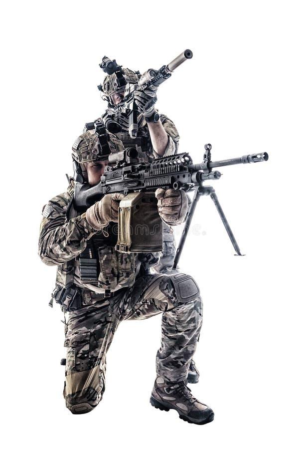 Armékommandosoldater i fältlikformig royaltyfria bilder