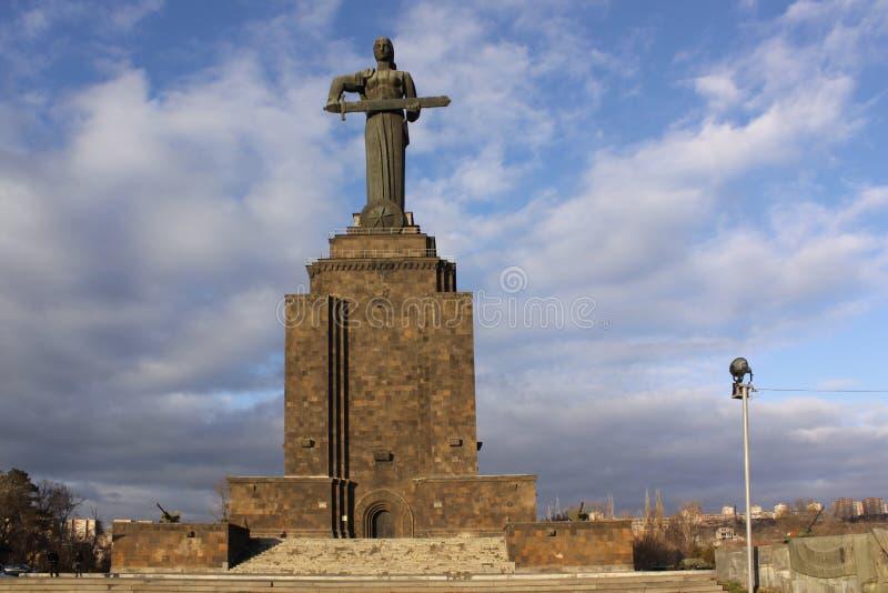 arménia yerevan O monumento de Armênia da mãe em Victory Park fotos de stock royalty free