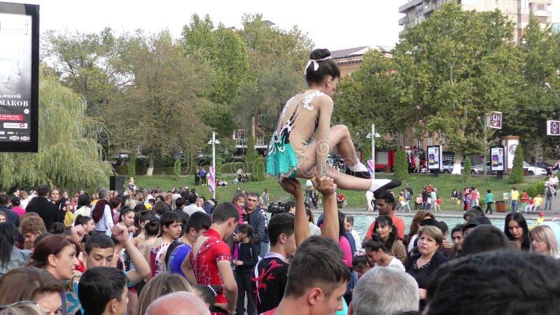 Armênia, Acrobates em Yerevan imagens de stock royalty free
