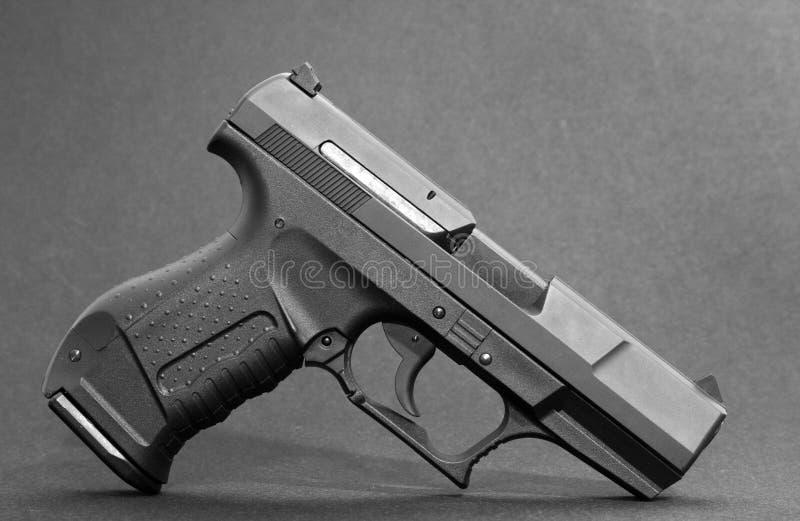 Arma aislado en blanco imagen de archivo
