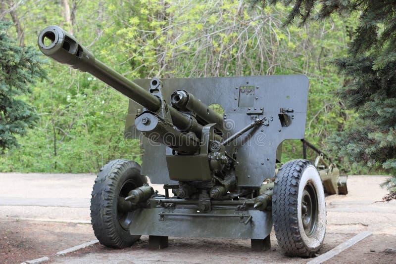 Arma antitanques soviético ZiS-3 de la Segunda Guerra Mundial Rusia, Saratov - 5 de mayo de 2019 foto de archivo libre de regalías