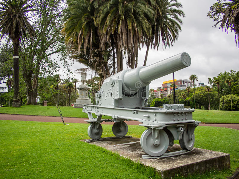 Arma de campo, pieza del monumento de guerra Boer en Albert Park, Auckland, Nueva Zelanda imagen de archivo libre de regalías
