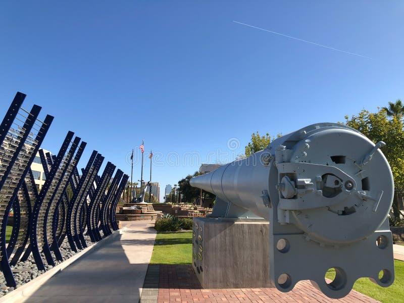 Arma del acorazado de WWII en Wesley Bolin Memorial Plaza, Phoenix, AZ fotos de archivo