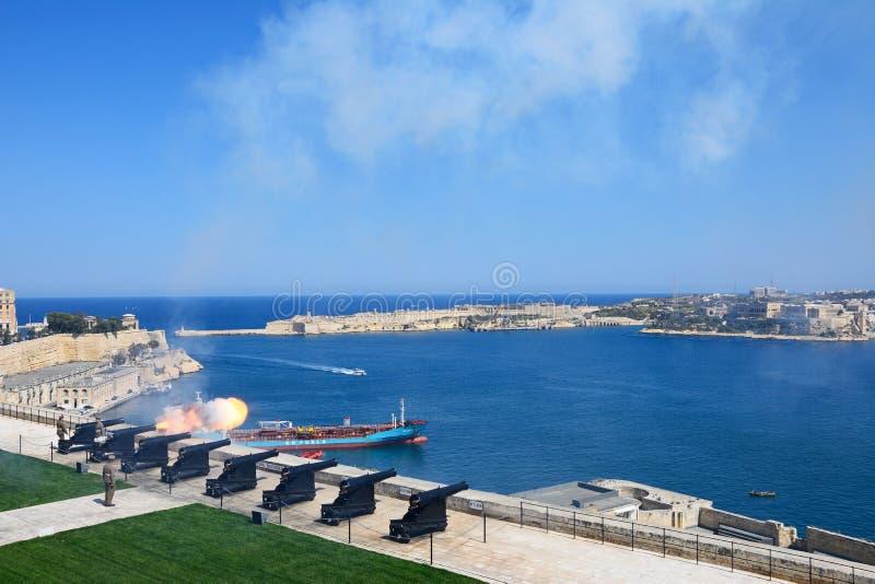 A arma do meio-dia, Malta foto de stock royalty free
