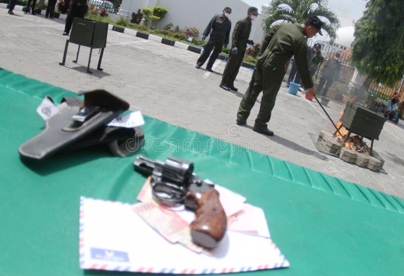 Arma ilegal fotos de stock