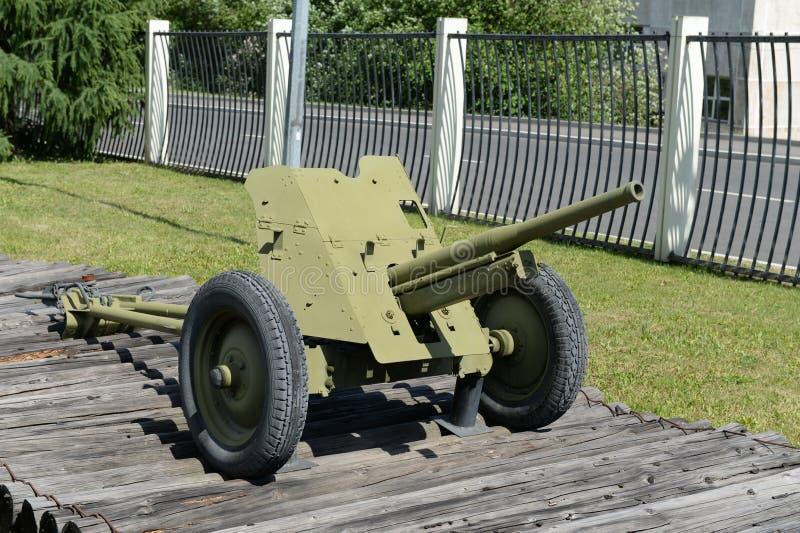 a arma 53-K do anti-tanque do batalhão 45-milímetro de 1937 datilografa no museu do equipamento militar no monte de Poklonnaya em fotos de stock royalty free