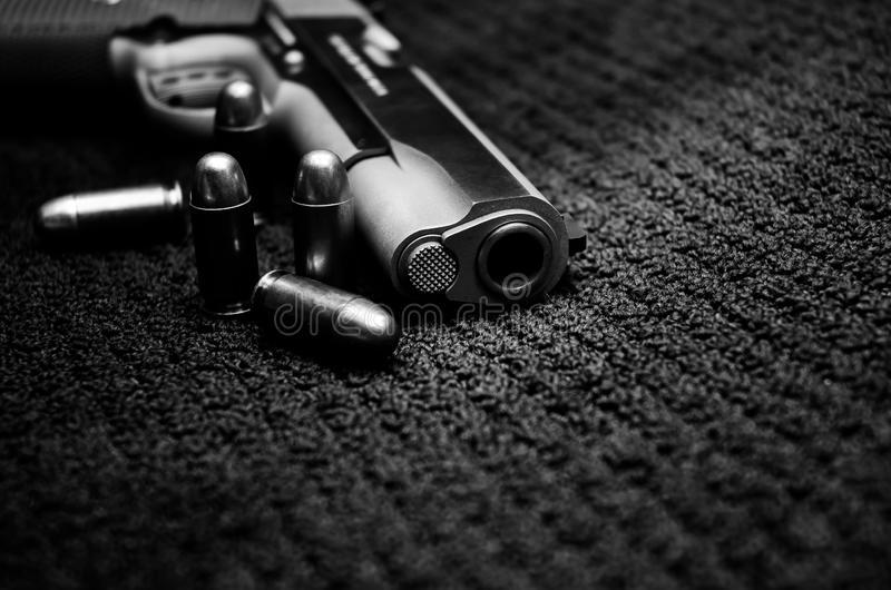 Arma negra de la guerra fotos de archivo libres de regalías