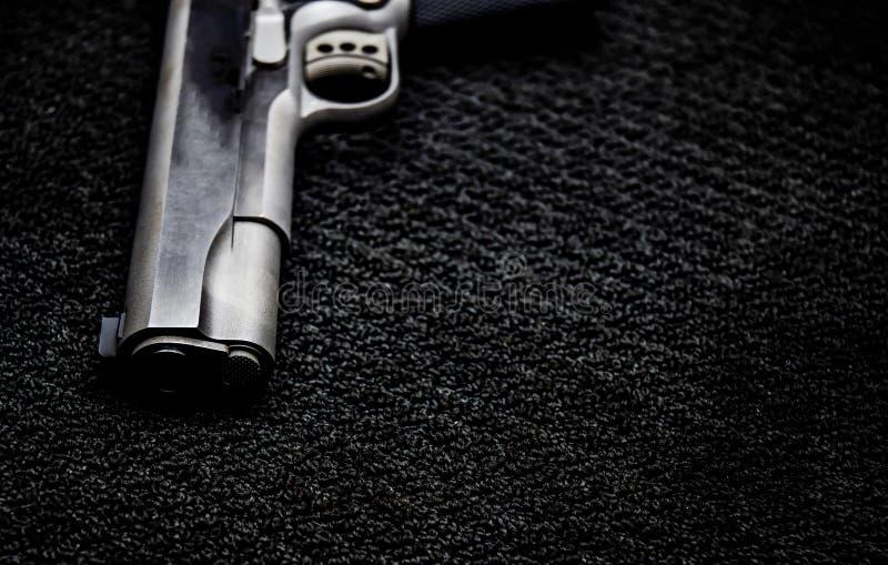Arma negra de la guerra fotos de archivo