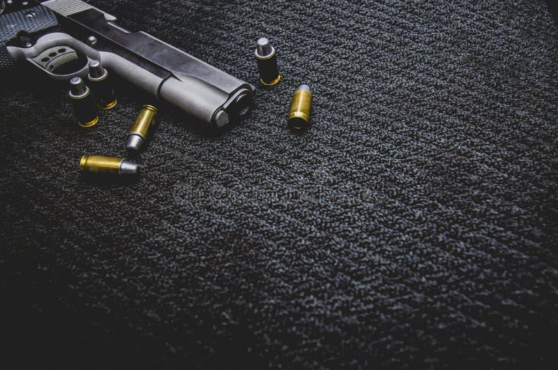Arma negra de la guerra foto de archivo libre de regalías
