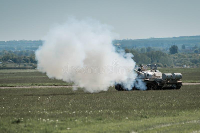 Arma ruso de la leña del tanque imagen de archivo libre de regalías