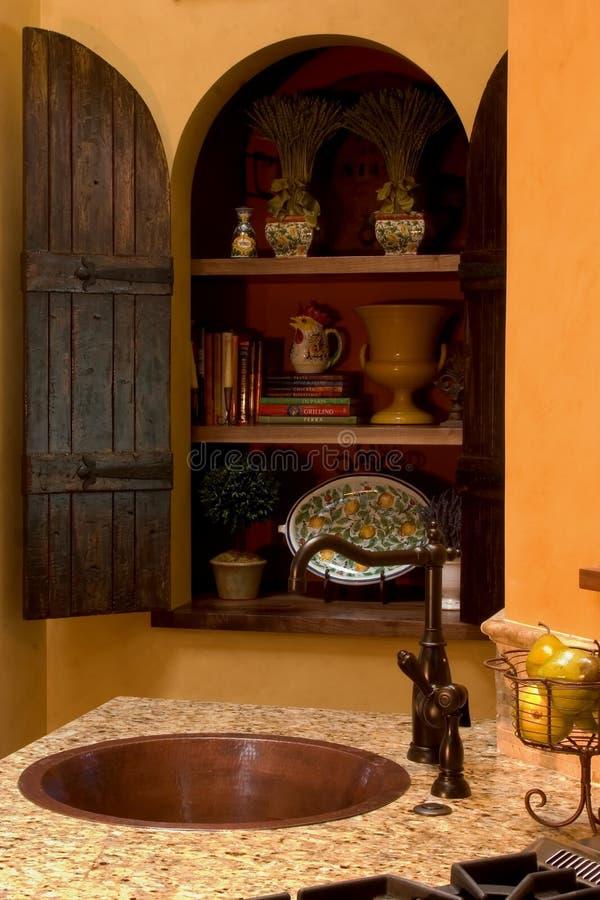 Download Armadi da cucina fotografia stock. Immagine di illuminazione - 216732