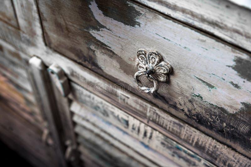 Armadietto rustico fotografie stock libere da diritti