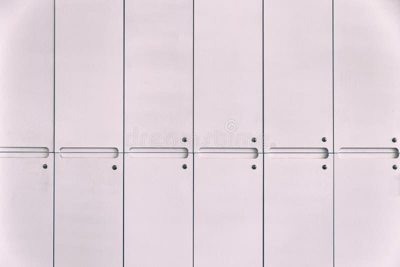 Armadio Ufficio Bianco : Armadio bianco in scuola o in ufficio immagine stock immagine di