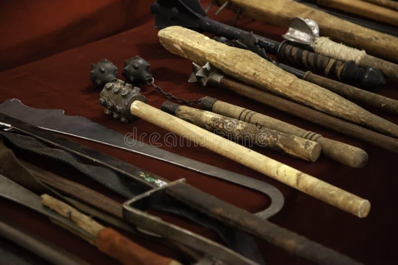 Armadura medieval de las espadas fotografía de archivo