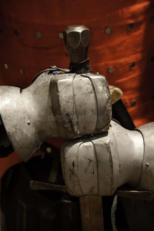 Armadura medieval de las espadas foto de archivo libre de regalías